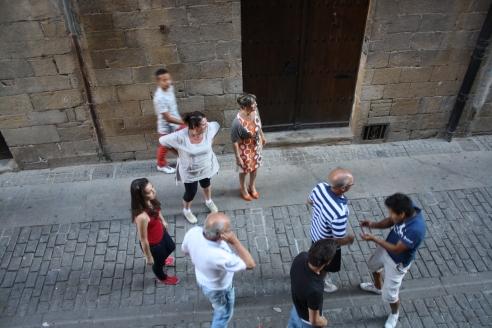 Y después de que pasaban las vaquillas, todos salían a la calle a verlas.