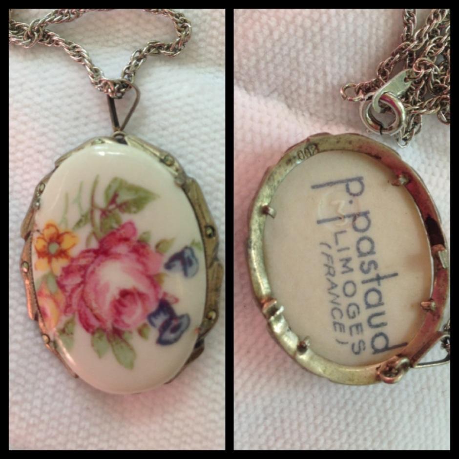 También encontré un medallón de porcelana de Limoges, Francia. Aunque mi abuela fue varias veces a Europa, siempre dijo preferir el Oriente.