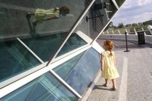 A un lado del Museo de Arte de Milwaukee.